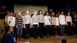 Klass 6 sjunger Bellman.
