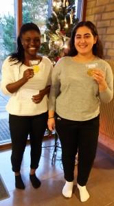 Vinnare klass 8: Aisha och Verina.