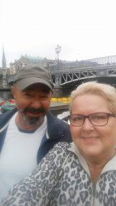 Magister Ernö och fröken Kristina mötte upp vid Djurgårdsbron.